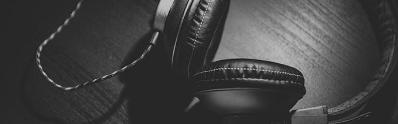 headphones-blog.png#asset:1726:blogInlin